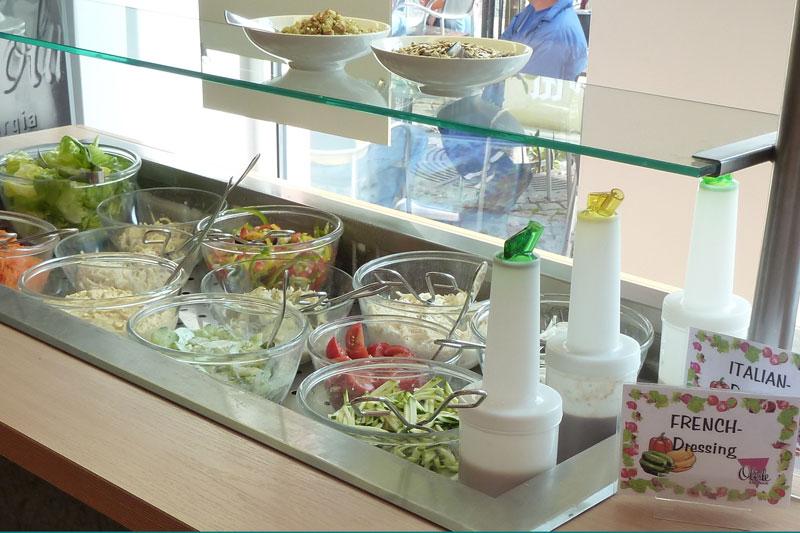 Salattheke - Cafe Oberle - Tiengen
